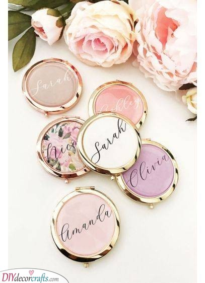 Pocket Mirrors - Gift Ideas for the Bridesmaids