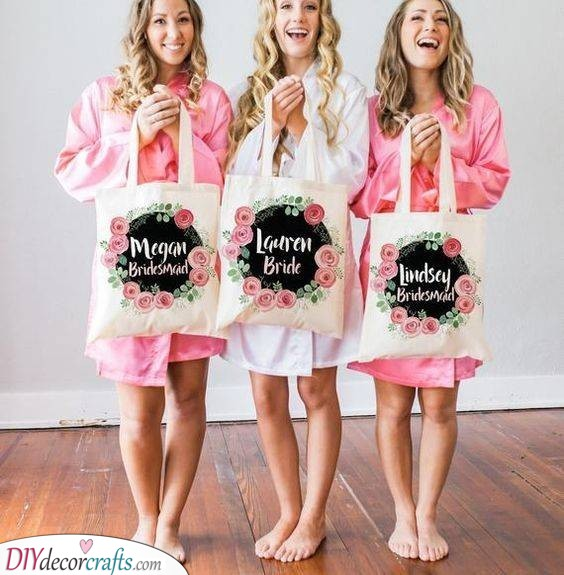 Tote Bags - The Best Gift Ideas for Bridesmaids