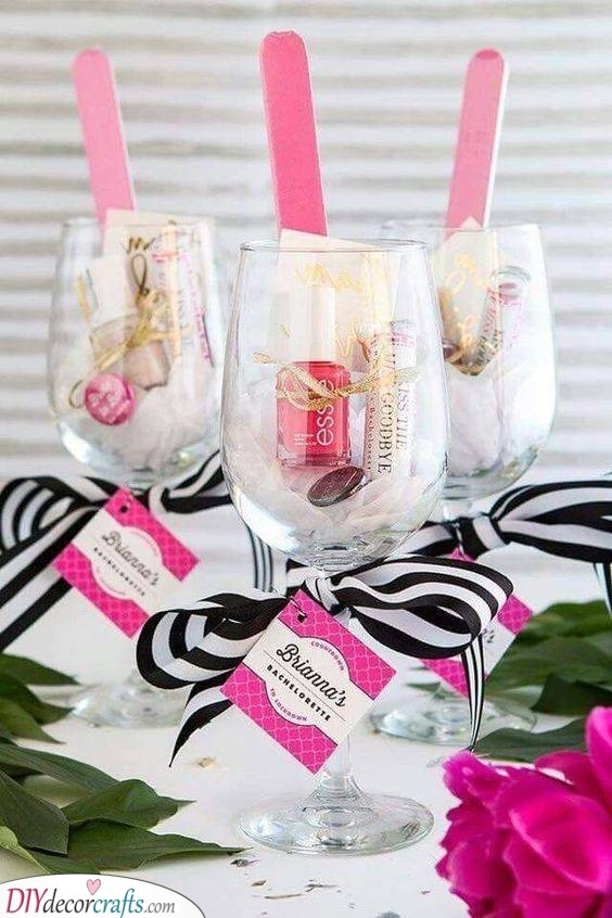 A Glassful of Cosmetics - Amazing Gift Ideas for Your Bridesmaids