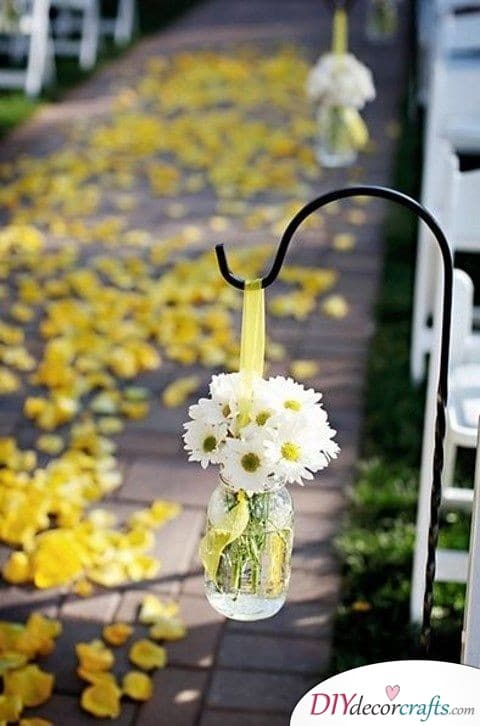 Bright Flowers - Simple Wedding Decorations