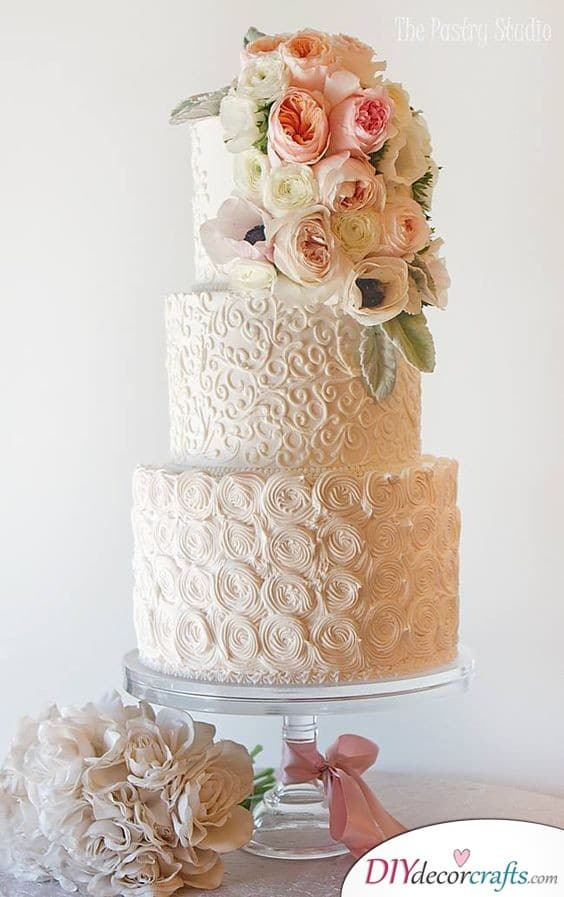 Laced with Beauty - Make Your Cake Gorgeous