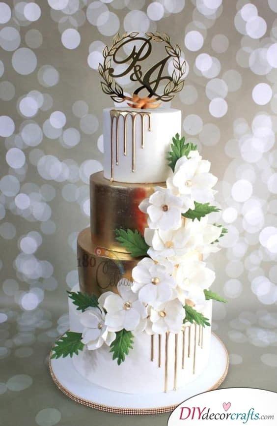 Glorious Gold - Wedding Cake Ideas