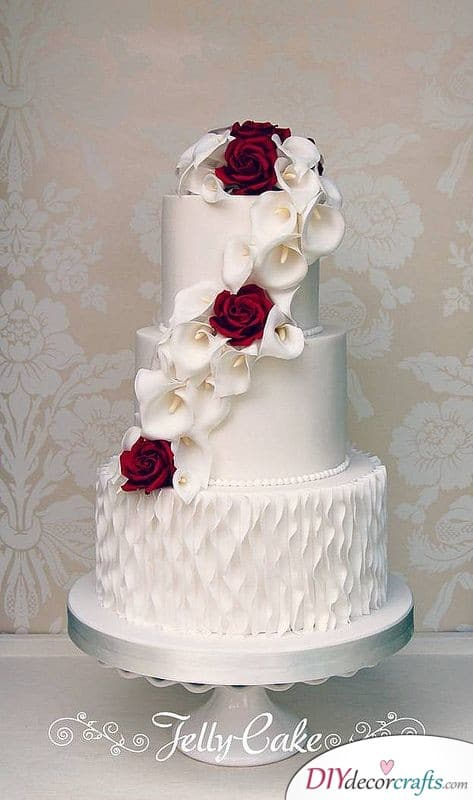 Lilies and Roses - Wedding Cake Ideas