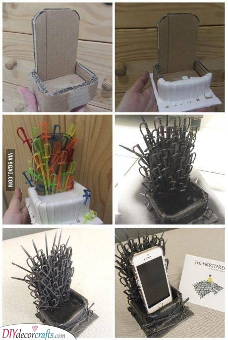 Game of Phones - Phone Holder Gift