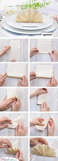 Making the Perfect Fan - Great Napkin Ideas for Weddings