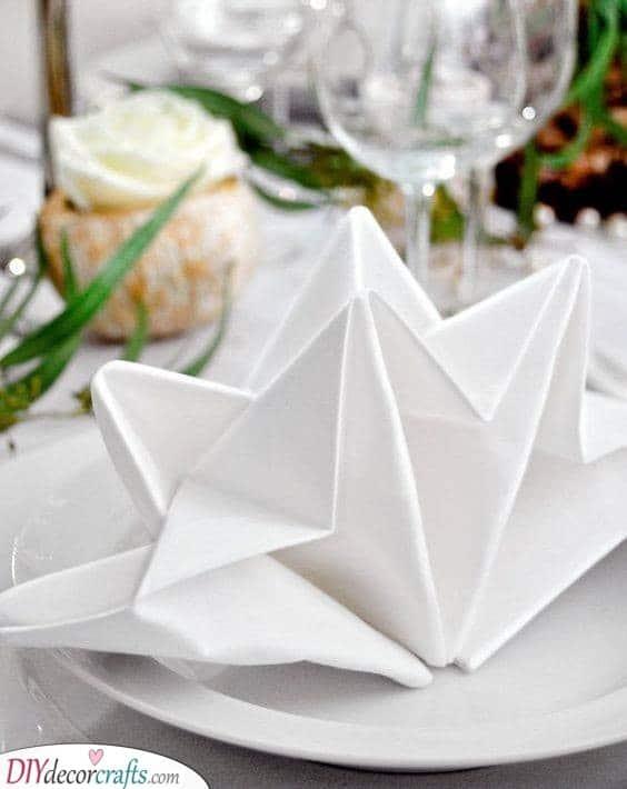 Star Shapes - Beautiful Ways to Fold Your Napkin
