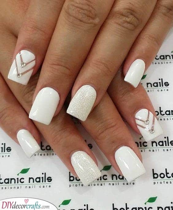 A Modern Touch - Make Your Nails Pop