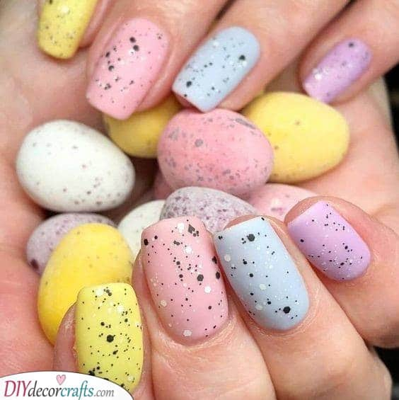 Robin Egg Design - Beautiful Easter Nail Art