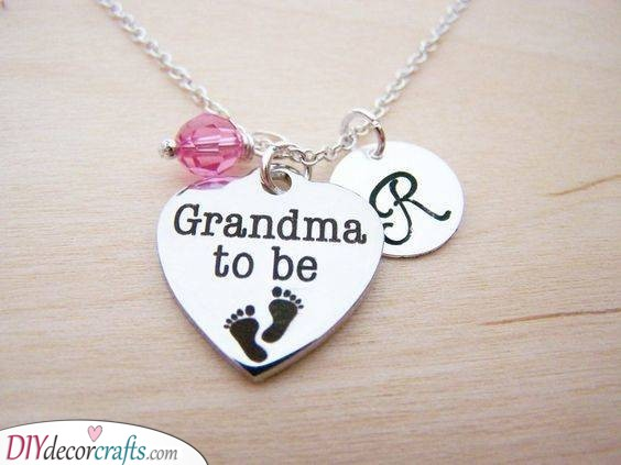 Grandma to Be - Necklace Ideas for Nan