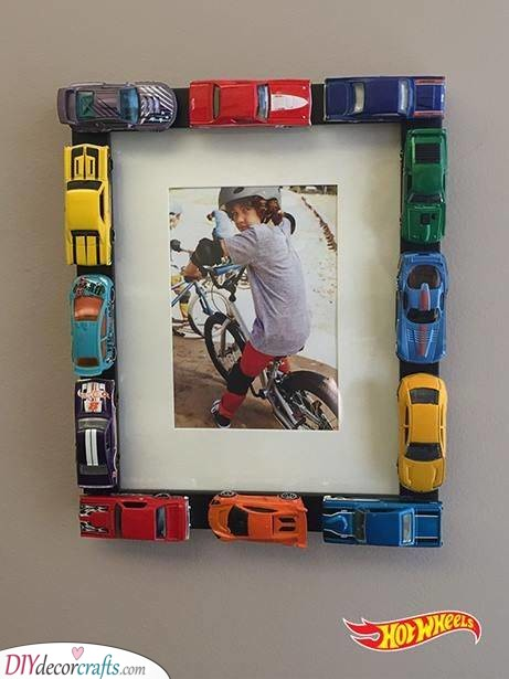 DIY Frames - For Brothers Who Love Cars