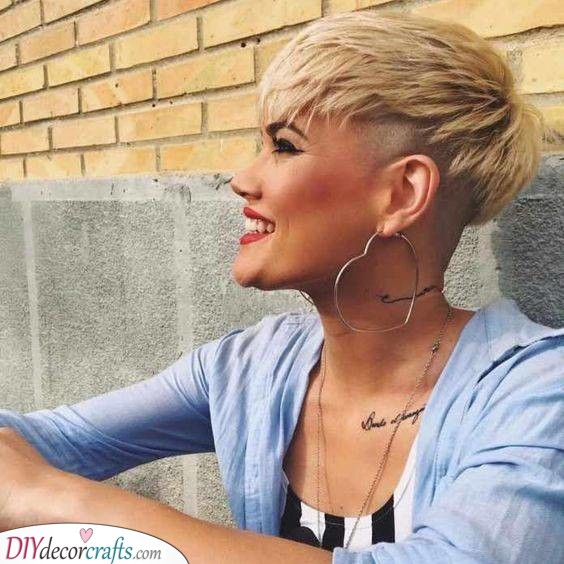 Layered Pixie Cut - Hairstyles for Women with Thin Fine Hair