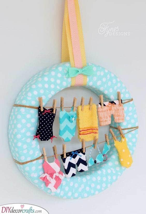 Swimsuits on a Clothesline - Summer Wreath Idea