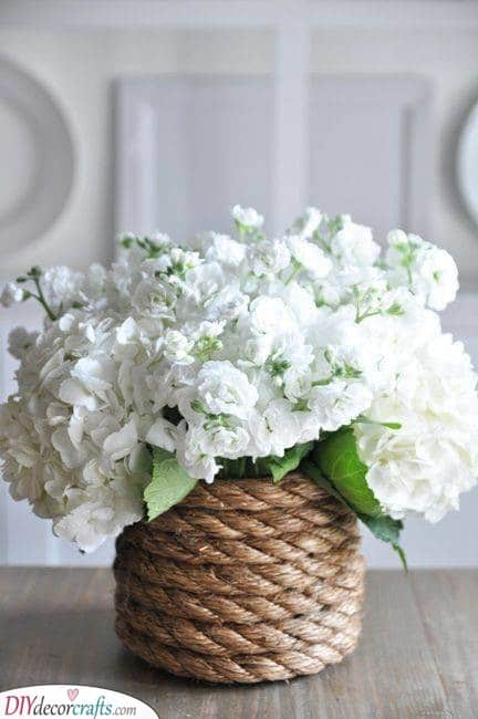 Rope Wrapped Vase - DIY Summer Decorations