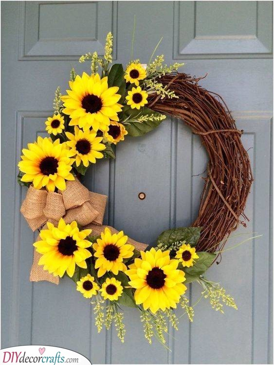 Sunflower Wreath - Summer Ornaments for Your Front Door