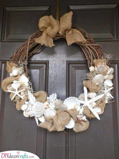 A Shell Wreath - Summer Decor for Your Front Door