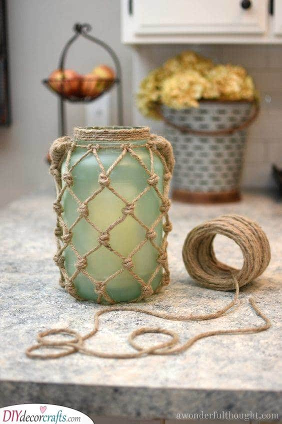 Mason Jar Lantern - DIY Summer Decorating Ideas