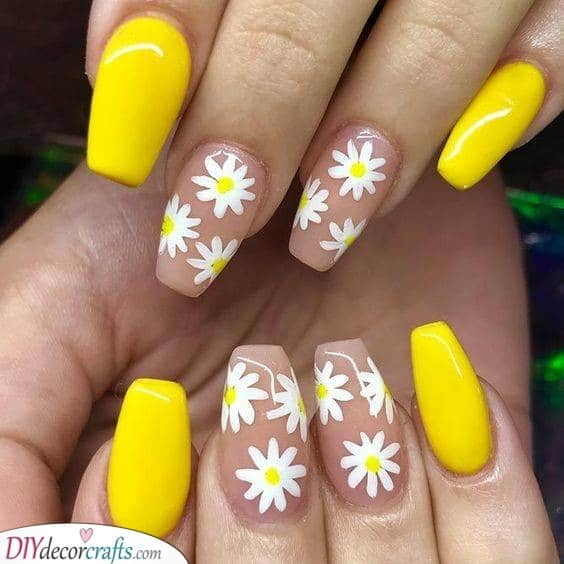 Dazzling Daisies - Spectacular Spring Nail Ideas