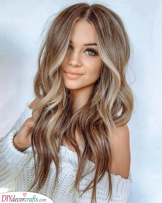 Bouncy Waves - Long Hairstyles for Women