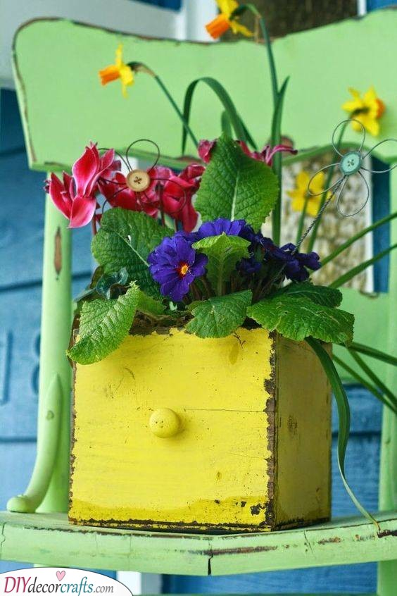 Wooden Box Planter - Garden Decorations for Spring