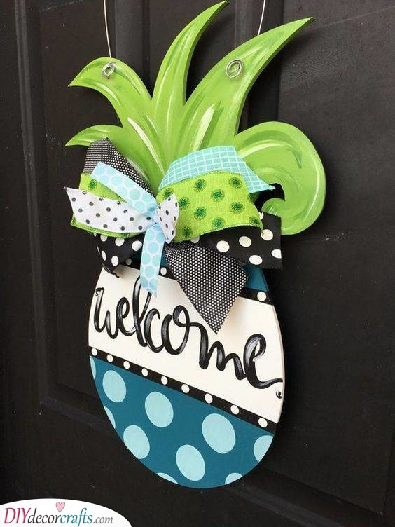 Funky Pineapple - Awesome Welcome Signs