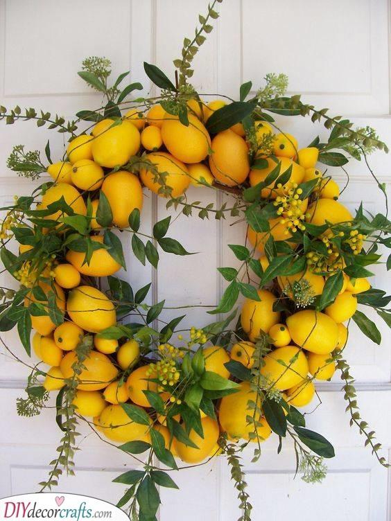 A Whole Circle of Lemons - Citrus Decor
