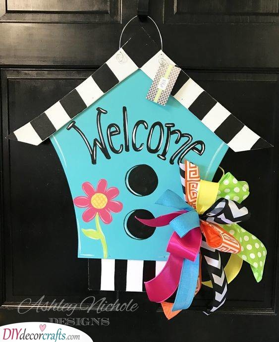 A Welcome Home Sign - Decor Ideas for Summer