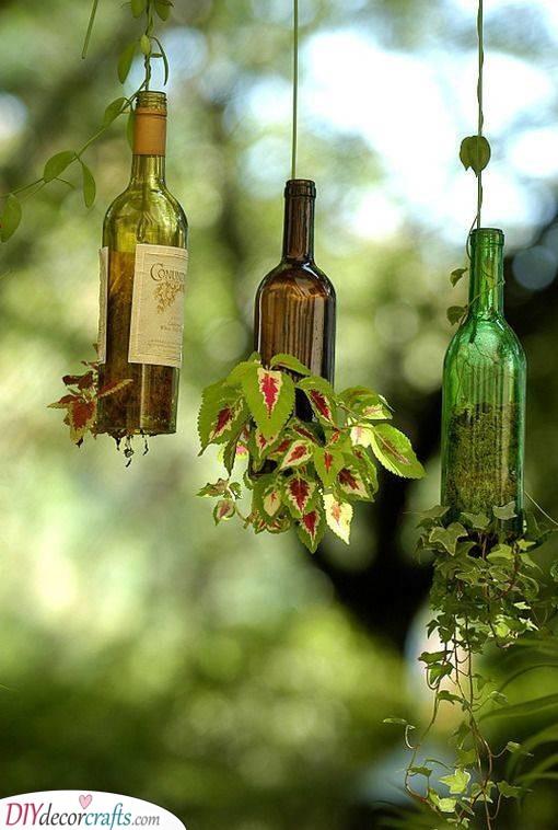 Wine Bottle Ornaments - Ideas for Summer Garden Decor
