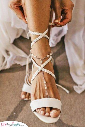 Wedding Sandals - Foot Accessories for a Bridal Look