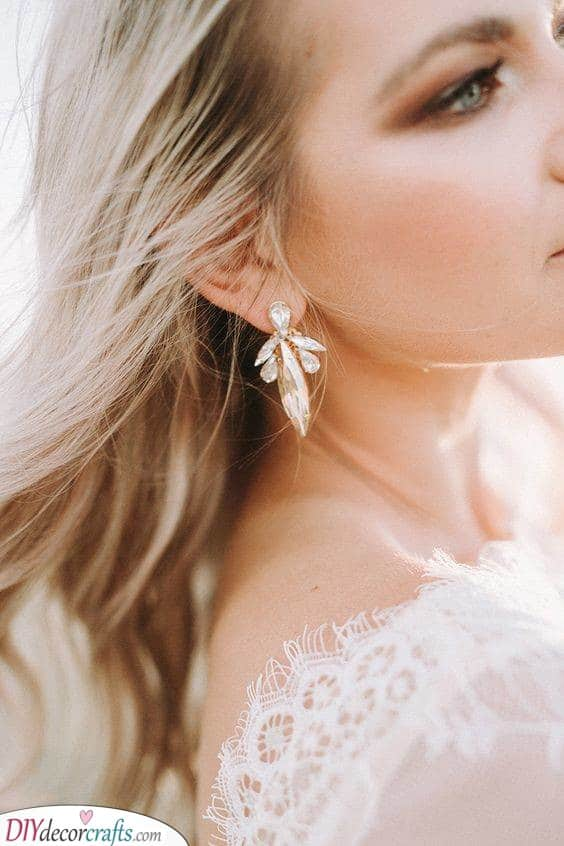 A Feeling of Couture - Bridal Earring Ideas