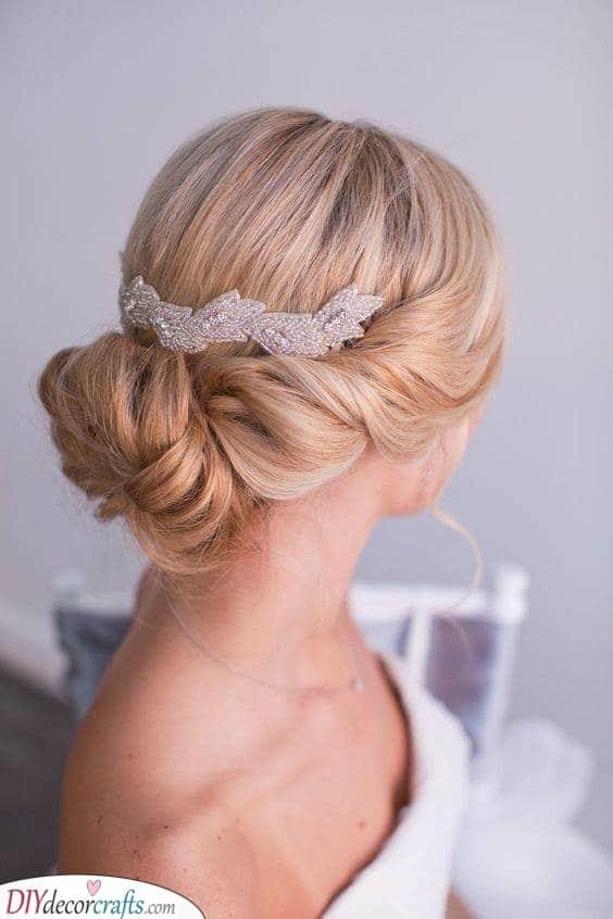 Dazzling Hair Clip - Timeless Beauty
