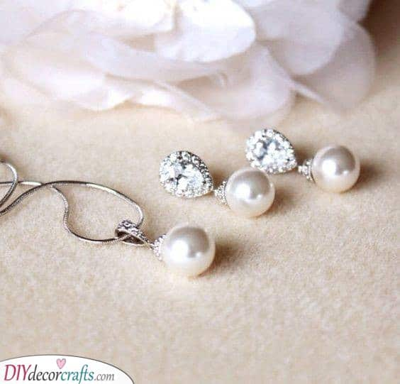 Drop Pearl Earrings and Necklace - Wedding Accessories