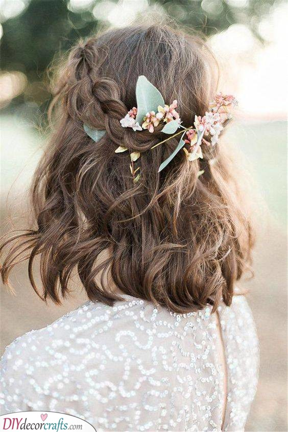 Simple Elegance - Rustic and Natural Hair Ideas