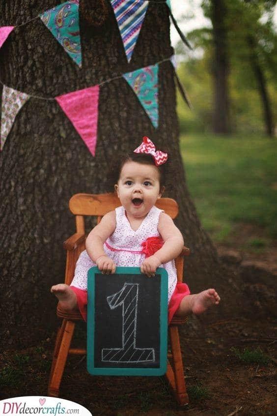 Blackboard Photo Ideas - First Birthday Gifts for Girls