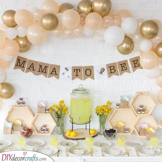 Mother to Bee - Baby Shower Party Ideas