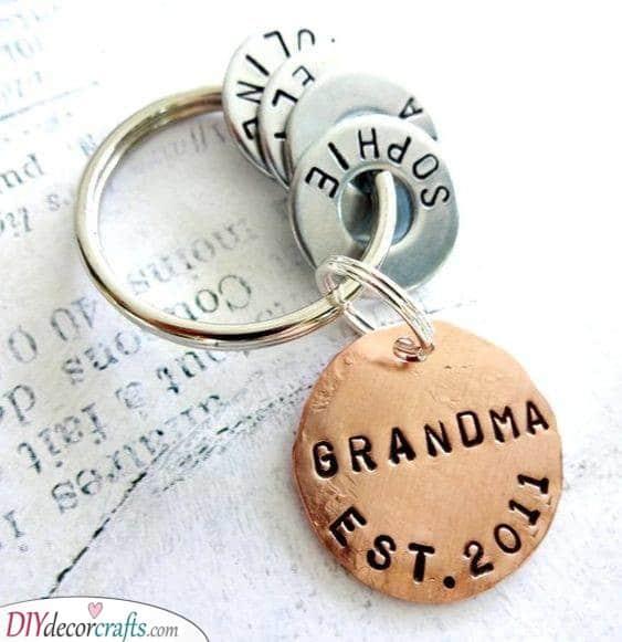 Grandchildren Keychain - Birthday Gifts for Grandma