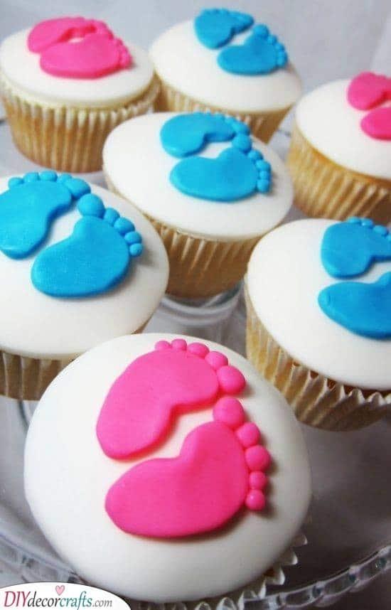 Adorable Baby Feet - Gender Reveal Cupcakes