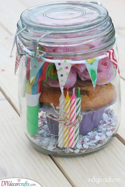 Birthday Muffin in a Jar - Gift Ideas for Eighteen-Year-Olds