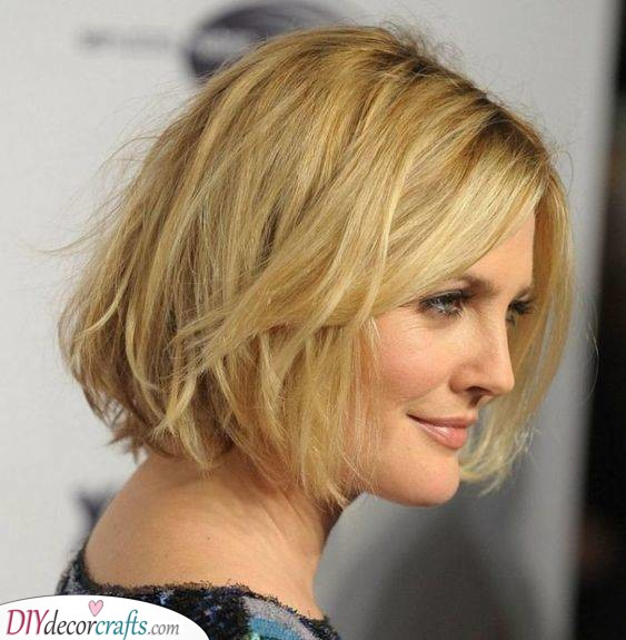 A Messy Bob - Short Hairstyles for Women Over 50