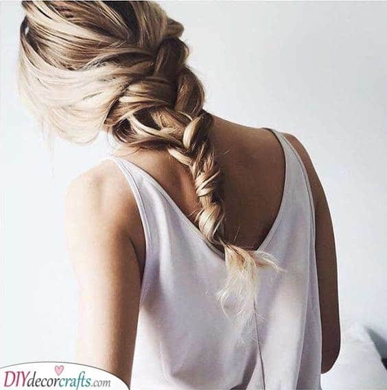 A Loose Braid - Elegant and Romantic Hairstyle Ideas