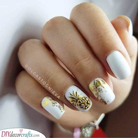 White and Gold - Pineapple Inspired