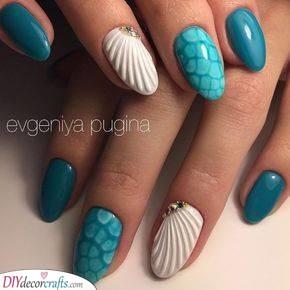 Ocean Vibes - Beautiful Summer Nails