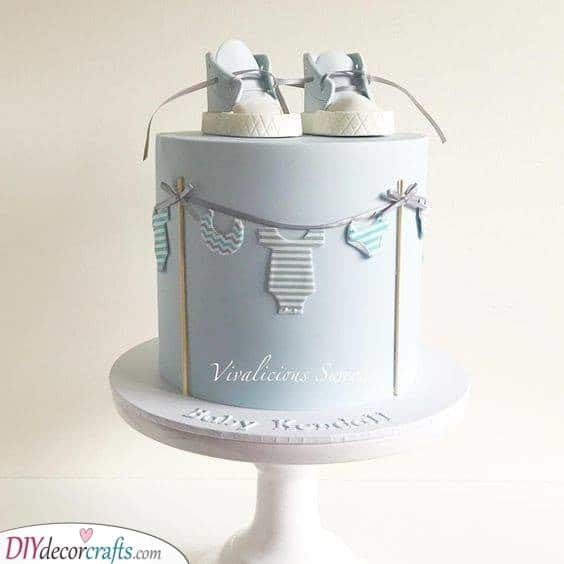 Washing the Clothes - Adorable Cake Decoration Ideas