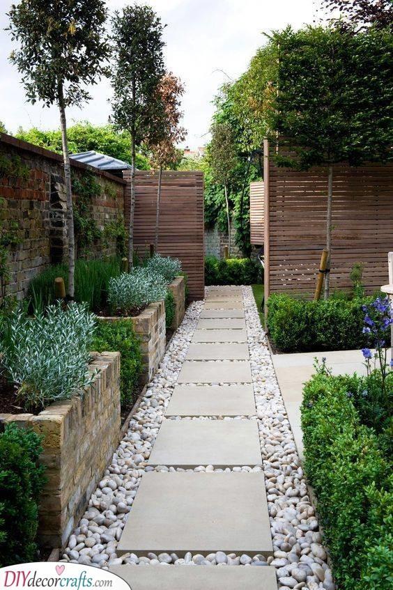 Beautiful Stepping Stones - Walking in the Garden