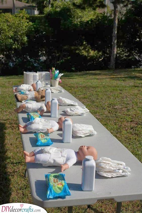 A Diaper Change Race - Funniest Baby Shower Games Ever