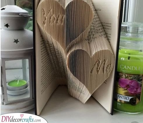 Folding a Book - Lovely Gift Ideas for Mom