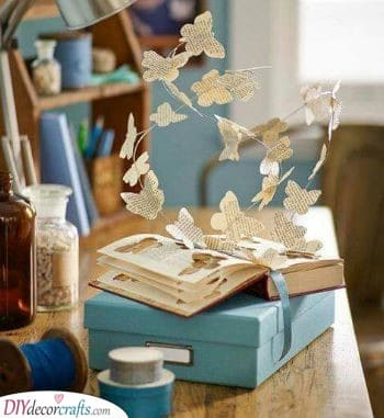 Paper Butterflies - Flying Away