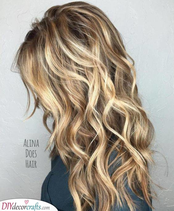 Messy Beach Waves - Easy Hairstyles for Long Curly Hair
