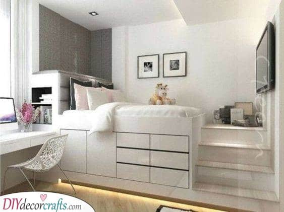 Bed or Closet - Using Space in a Smart Way