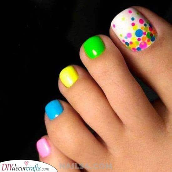 A Lovely Rainbow - Cute Toenail Designs