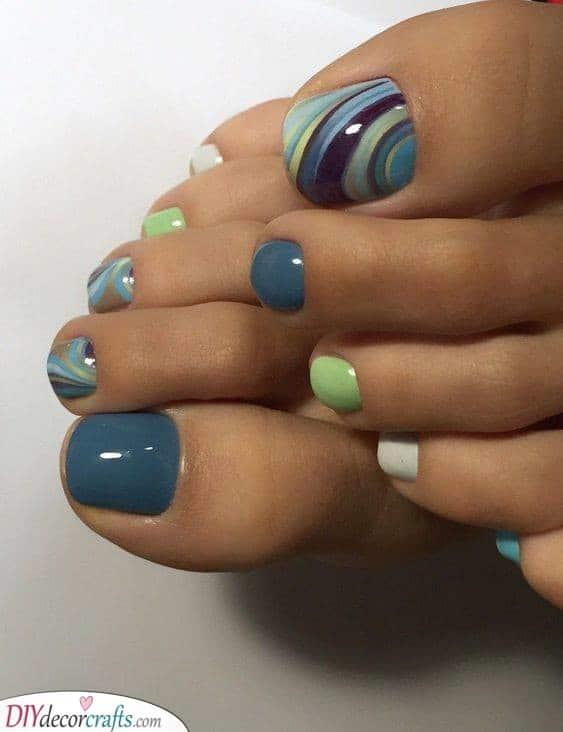 Flowing Colours - Cute Toenail Designs